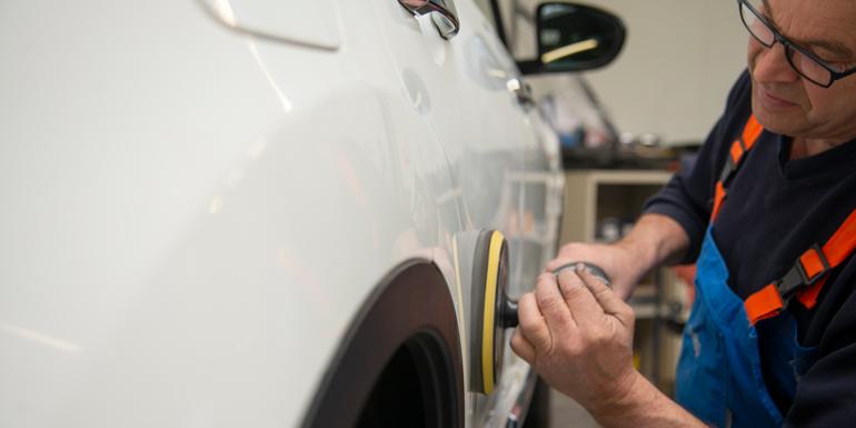 Autoschadeherstel – Schadegarant en Centraal Beheer